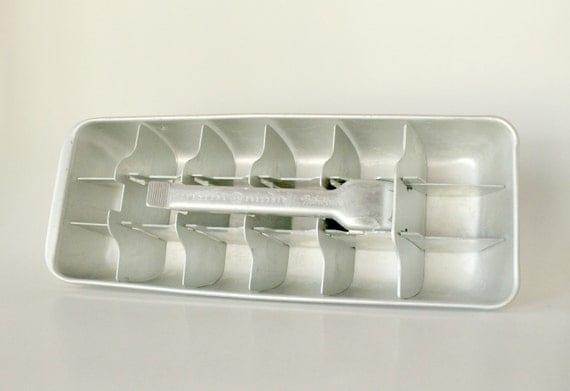 GE Mini Cube Aluminum Ice cube tray