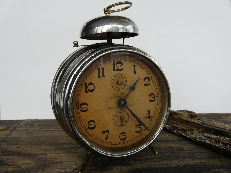 Alarm clock / Retro alarm clock / Vintage alarm clock