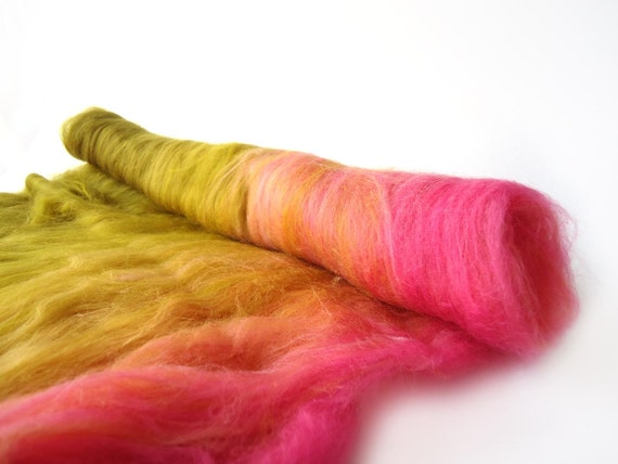 Batt - Spinning - Felting - Merino wool - gradient - Pink - Peach - Green - 100g - 3.5oz - RHUBARB RHUBARB
