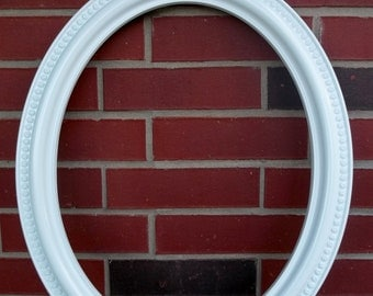 Vintage Syroco Oval Rosette Frame Vintage Wedding Photobooth Photo Prop Shabby Chic Cottage Chic