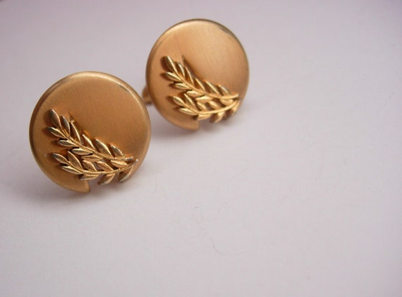 Vintage Gold Tone Olive Branch Cufflinks Signed by Swank