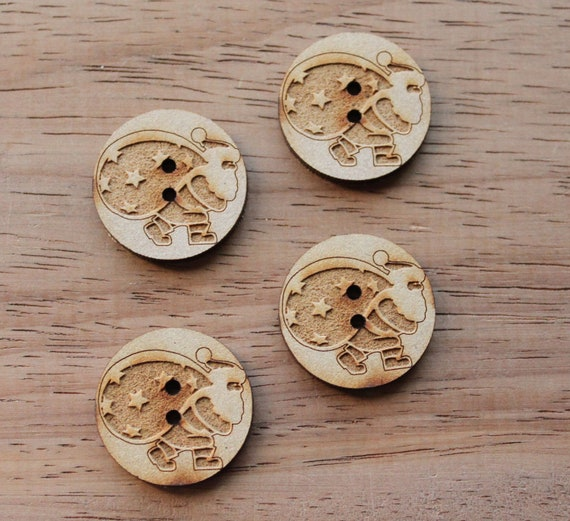4 Craft Wood Santa.Round Buttons, 2.5cm Wide, Laser Cut Wood