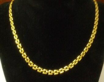 Beautiful vintage gold toned metal choker