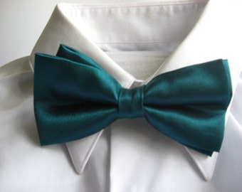 Teal PreTied Bow Tie