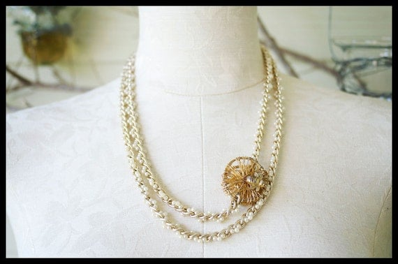 Bumble Bee Away: Pearl Necklace with Chain Details and Bumble Bee Charm