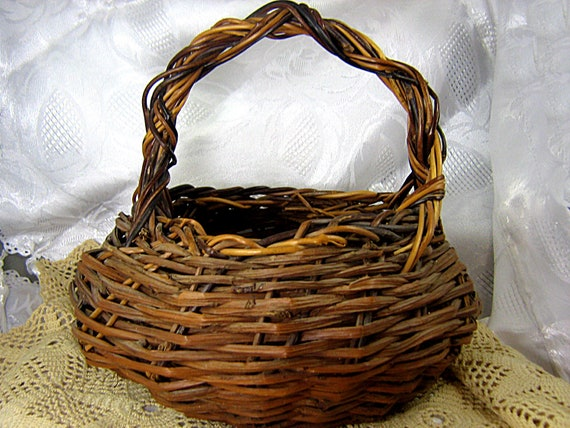 How To Weave A Basket Out Of Twigs : Vintage rustic twig basket with handle hand woven