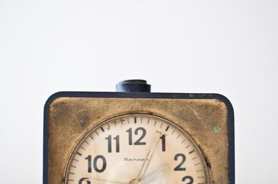 """Vintage mechanical alarm clock """"Jantar"""" - black and gold"""