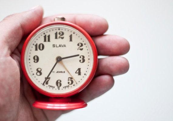 "Vintage red mechanical alarm clock ""Slava"""