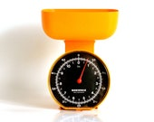 Soehnle: bright orange kitchen scales - ThatRetroPiece