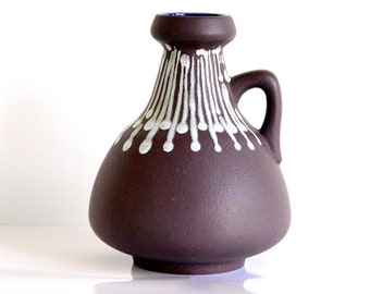 Schlossberg: West German pottery vase (70-20)