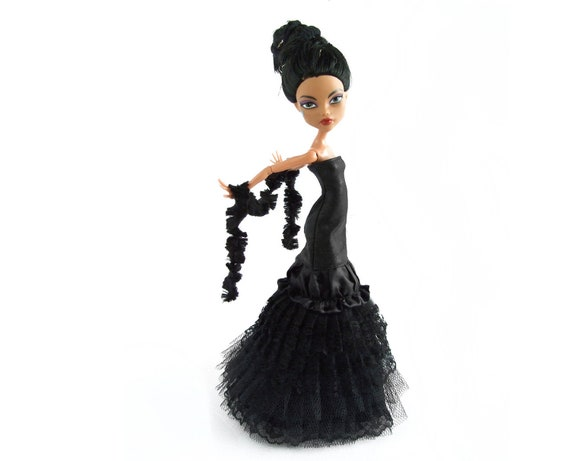 Monster High dress - black lace and tulle strapless long gown and a black boa