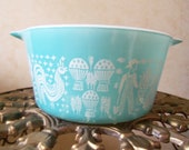 Pyrex Turquoise Butterprint Cinderella Casserole Dish - 1 qt.