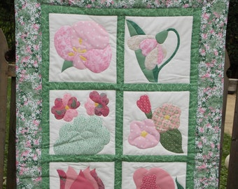 Flowers for your wall in pink and green