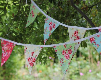 Shabby chic Retro floral bunting 3 metre 10 feet 12 flags - red, blue, cream and green