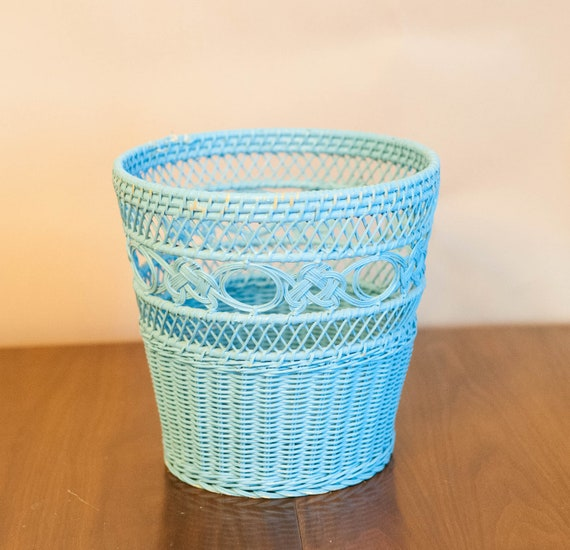 Vintage blue wicker waste basket trash can cottage beach - Wicker trash basket ...