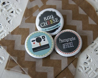 Badges the photographers in blue