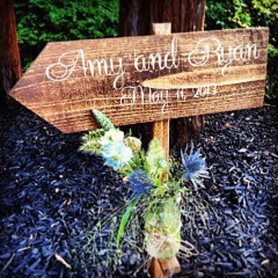 Rustic Wedding Sign / Wedding Signs Rustic: Bride and Groom with Wedding Date and Mason Jar - WS-42