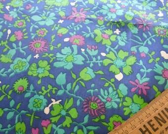 Vintage 1960's Retro FLOWER Fabric / Textile Fat Quarter
