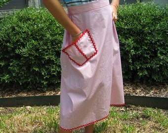 Vintage Apron with Pocket and RickRack Trim, Red and White Check Apron, Half Apron, Retro Apron, Womans Apron