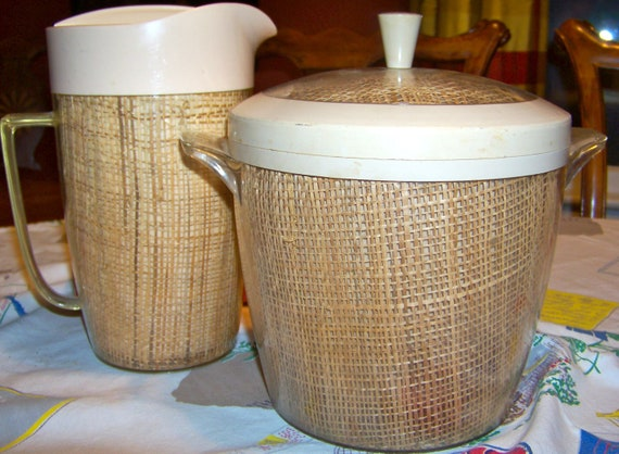 Vintage Thermal Raffiaware Pitcher and Matching Ice Bucket with Lid. Melamine. RV, Glamping, Porch, Patio, Cabin, Cottage, Camping Gear.