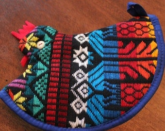 Colorful Woven Hen Shaped Pot Holder