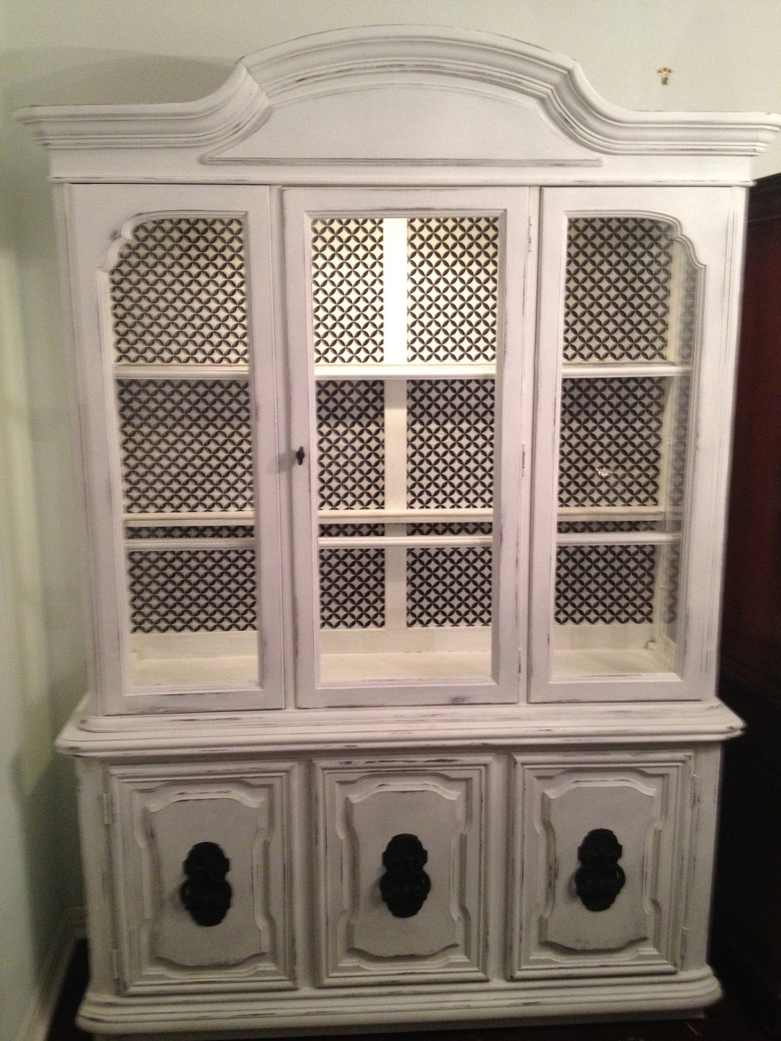 amazing shabby chic china cabinet. Black Bedroom Furniture Sets. Home Design Ideas