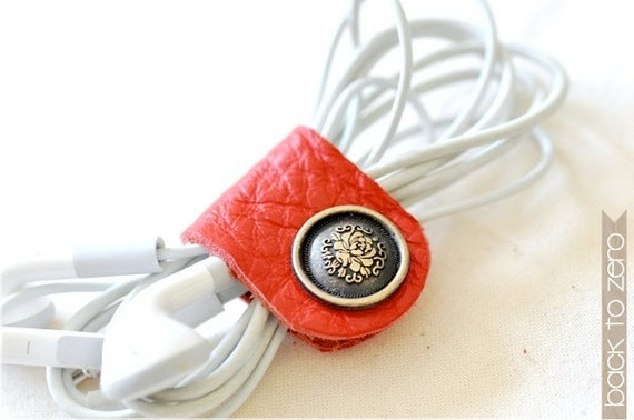 Customized Leather Earpiece Organizer - Peony