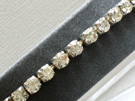 Vintage Clear Rhinestone Stretch Bracelet