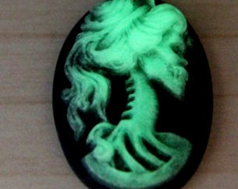 6 pcs resin lady skull cameo -18x25mm-RC0170-15-glow in dark