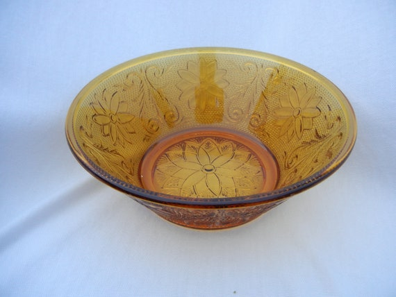 Vintage Indiana Amber Sandwich Glass Serving Bowl