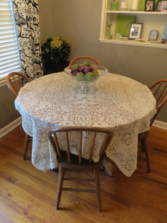 "45"" x 74"" Lace Rectangular Table Cloth"