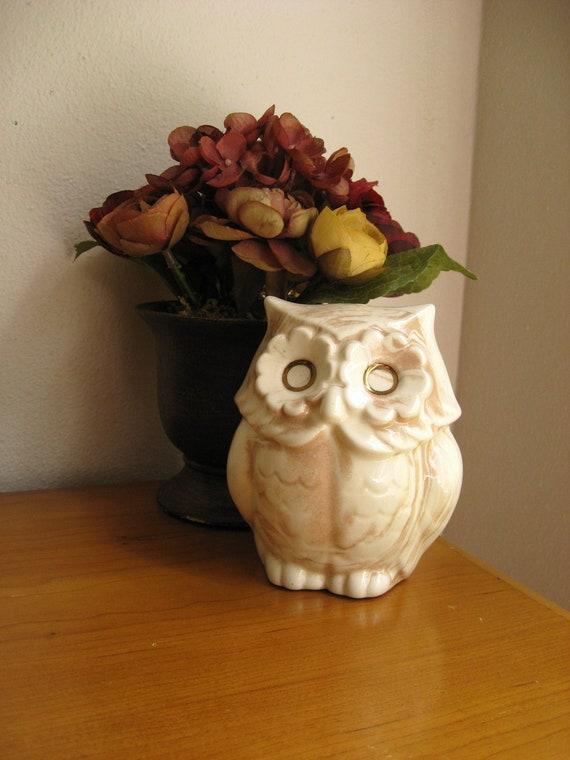 Vintage 1980 Mt. St. Helen's Ash Ceramic Owl Figurine, Signed Bee Gee, Owl Statue, Woodland Animal