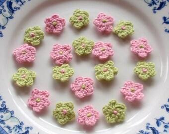 20 Mini Crochet  Flowers In Pink, Green YH-022-05