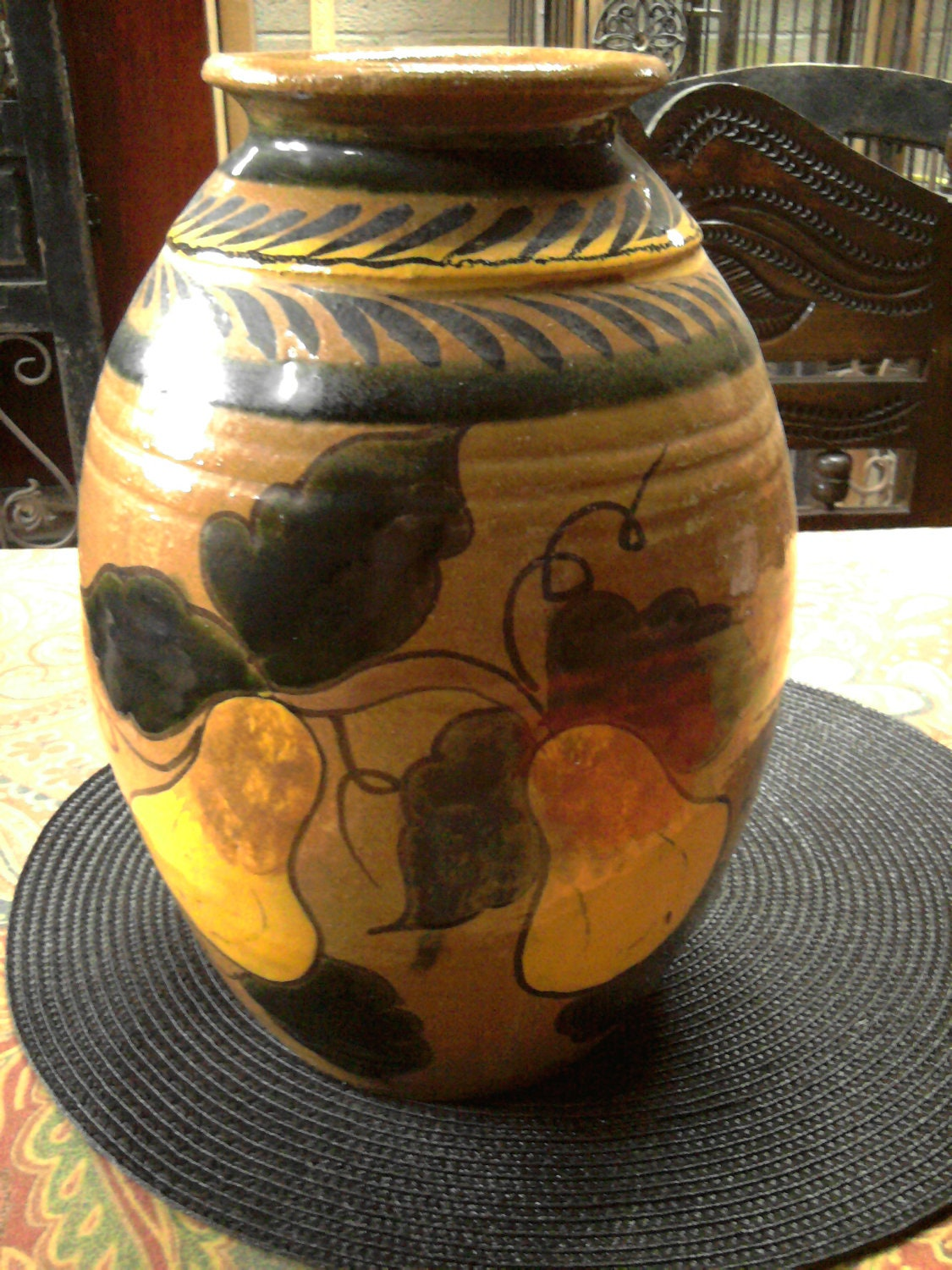 Large Mexican majolica pottery vase