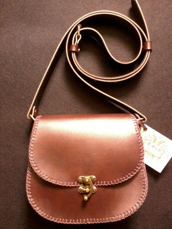 Leather cross body bag/purse  Vintage style