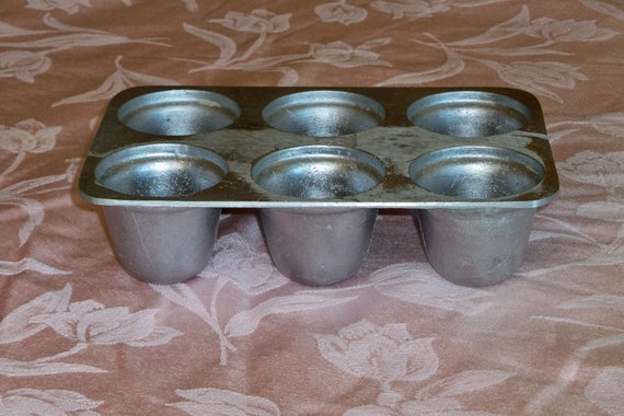 Vintage Muffin Popover pan