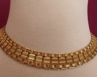 1970s Textured Goldtone Choker Necklace (2966)