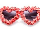 Hewitt Floral Heart Sunglasses (Fuchsia/White)