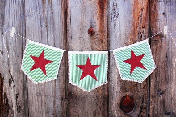 SAMPLE SALE Holiday Green and Red Burlap Star Banner (free shipping!)