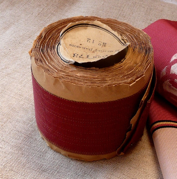 Wide French shop roll grosgrain ribbon trim