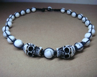 """Men's 22"""" White Turquoise Beads Necklace with Skull Pendant-Macrame"""