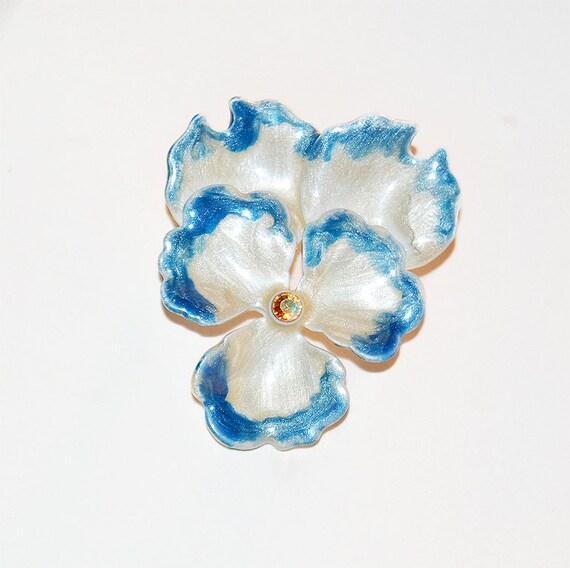 Flower Enamel Brooch.White Blue Enamel Brooch. Vintage 70s.
