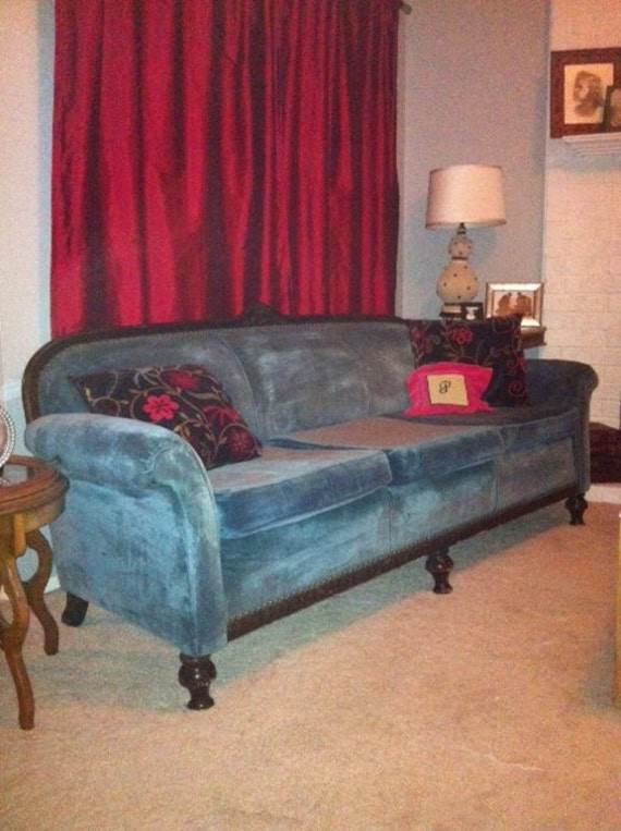 Gorgeous Vintage Couch