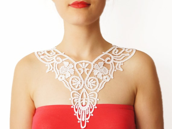 Handmade White Crochet Cotton Lace Collar Necklace Applique Pearl Chain Harness Blouse Accessories