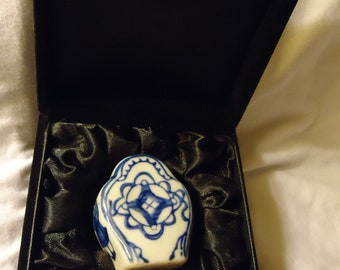 Netsuke Blue and White Netsuke in Box