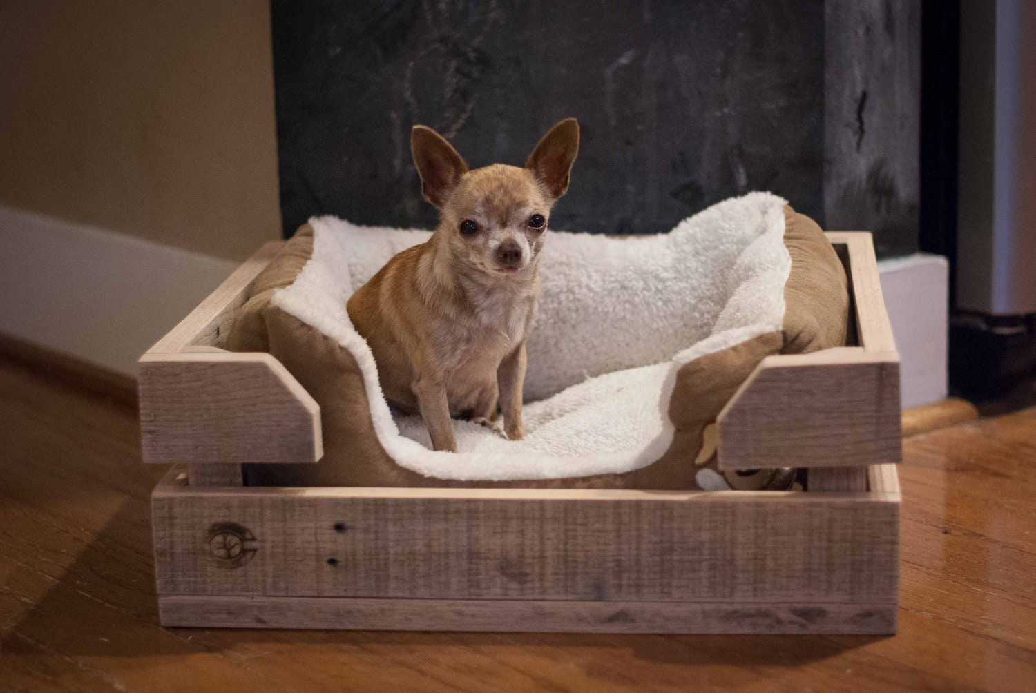 Dog bed wood crate made of reclaimed wood by reformedwood for Wood dog bed furniture