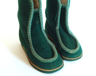 Christmas Boots, green felt winter footwear for kids, gift