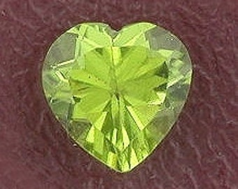 7mm heart peridot gem stone gemstone