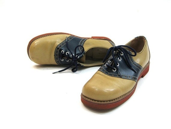 vintage women's Stride Rite saddle shoes / blue and tan oxfords 7