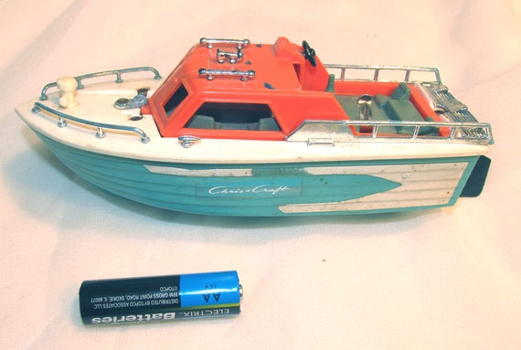 Toys For Chris : Toy boat vintage s chris craft plastic aa battery motor